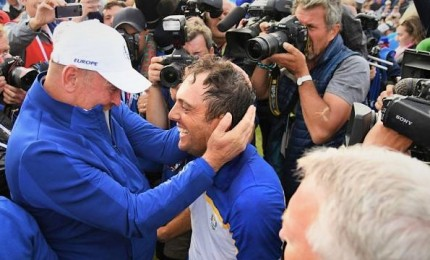 """Ryder Cup, vince l'Europa con il punto di Francesco Molinari. Malagò: """"Buon auspicio Roma 2022"""""""
