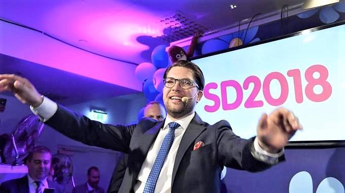 L'onda nera irrompe nella politica svedese, è rebus governo. Il premier uscente Lofven: ora dialogo