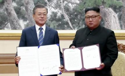 """Coree, pace sempre più vicina: stop a """"ogni atto ostile"""" al confine. Moon Jae-in: """"Presto Kim Jong-un sarà a Seul"""""""