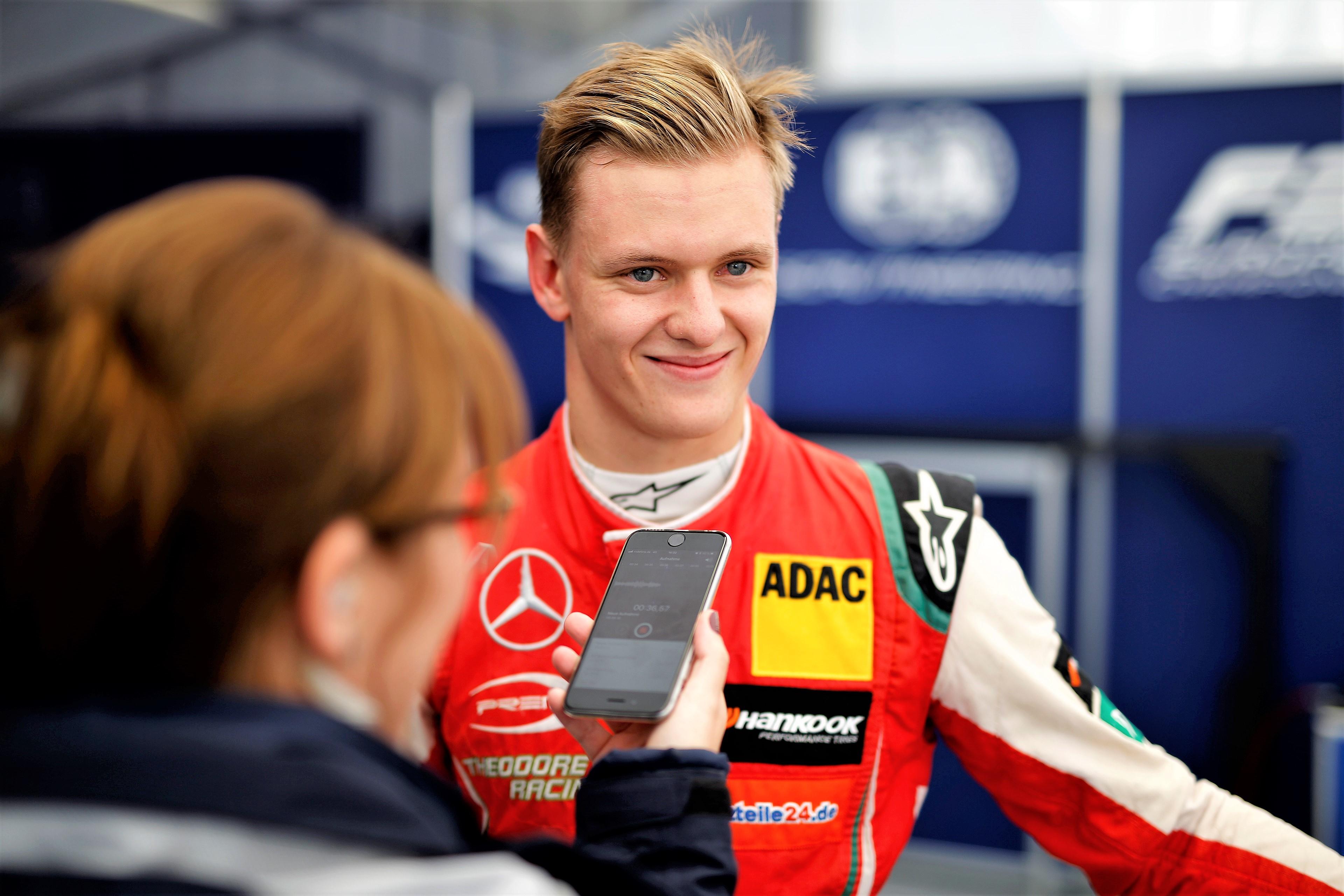 Tripletta Schumi jr, a Nurburgring vince anche gara-3