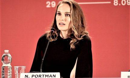 """""""Vox Lux"""", la Portman popstar negli Usa delle stragi"""