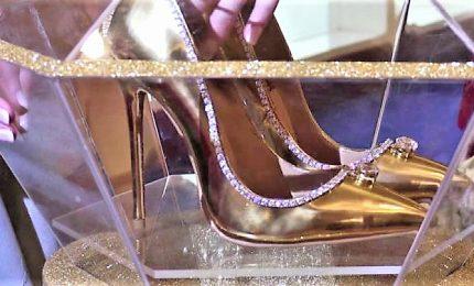 Oro, seta e 236 diamanti: a Dubai le scarpe più care al mondo