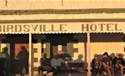 Australia, vendesi storico pub in mezzo al nulla nel Queensland