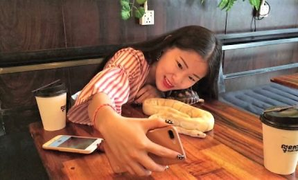 Un caffè col pitone, a Phnom Penh c'è il Reptile Cafe