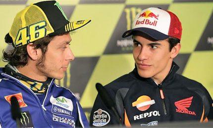 Marquez in pole, Rossi e Dovizioso in terza fila