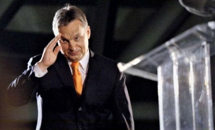 Coronavirus, parlamento ungherese dà pieni poteri a Orban. L'Europa vigila