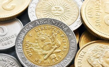 Argentina, il peso recupera terreno e la Borsa fa un balzo