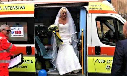 Sposi in ambulanza alle nozze, in Campania due casi in poche ore