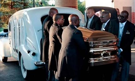 Ore di canzoni e tributi: i grandiosi funerali di Aretha Franklin