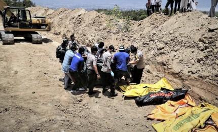 Ecatombe in Indonesia, sisma e tsunami fanno oltre 830 morti ma se ne temono migliaia. L'isola di Sulawesi distrutta