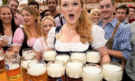 Oktoberfest a Monaco, la birra scorre per la 185sima edizione