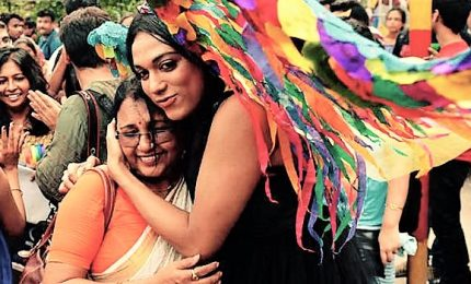 India depenalizza omosessualità, essere gay non è più reato