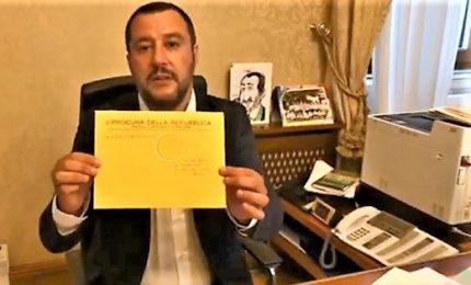 """Salvini indagato attacca i giudici: """"Io eletto loro no"""". E Di Maio si smarca"""