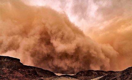 Tempeste di sabbia su Titano come sulla Terra e su Marte