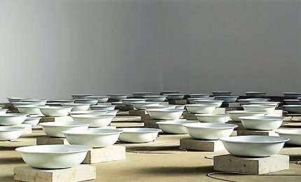 L'arte di Fatma Bucak, al centro delle sue opere politica e paesaggi