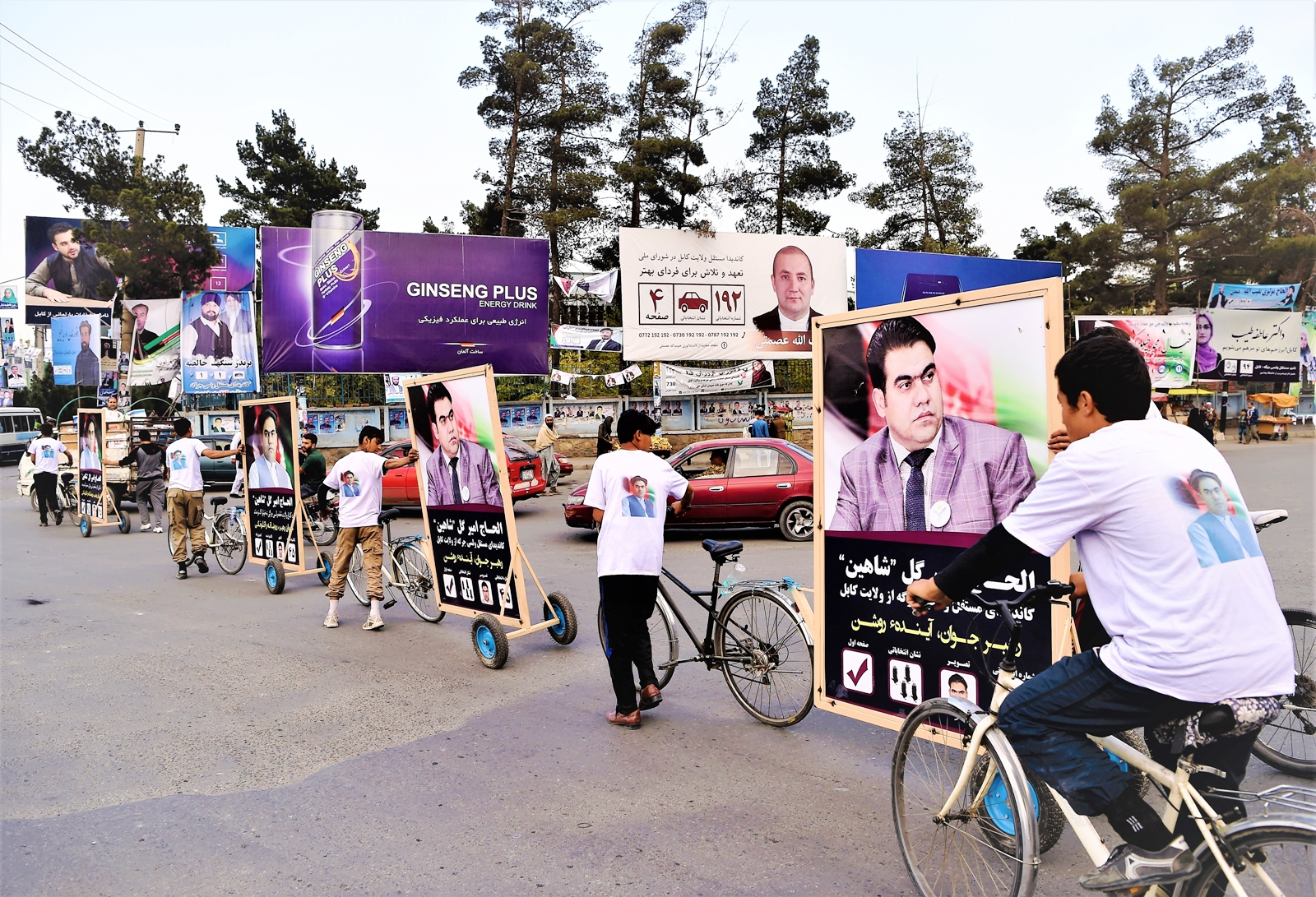 L'Afghanistan sabato al voto, già 10 candidati uccisi. Ultima vittima Abdul Jabar Qahraman