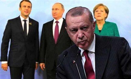 Il Grande vertice: Erdogan, Putin, Macron e la Merkel il 27 a Istanbul