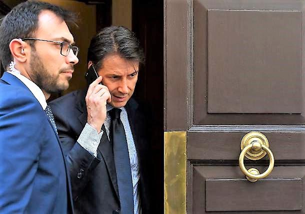 Aut aut Di Maio a Zingaretti, Conte premier. Dialogo prosegue ma strada in salita