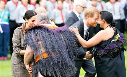 Harry e Meghan in Nuova Zelanda, e il principe parla in maori