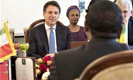 Conte in Africa cerca sponda su migranti, ma priorità è manovra
