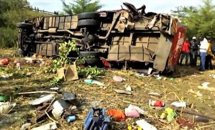 Kenya, oltre 40 morti in un incidente ad un autobus