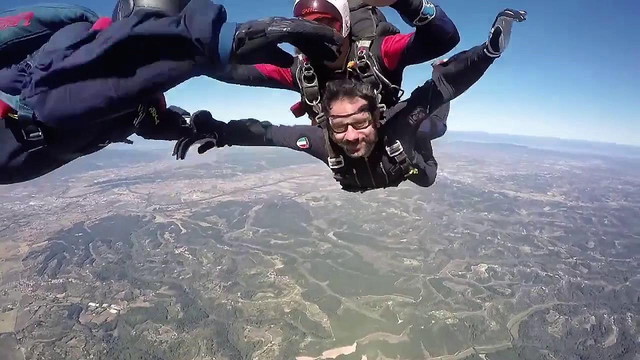 Lancio con paracadutisti Tuscania per il sottosegretario