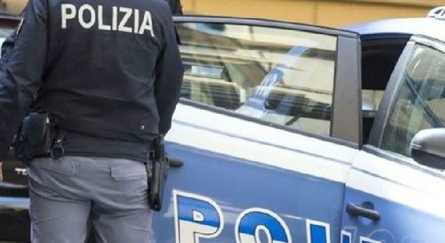 Violenta minore durante visita, arrestato medico