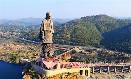 L'India inaugura la più alta statua del mondo