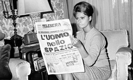 """""""Il Sorpasso"""", in 160 scatti gli italiani del boom e Sophia Loren"""
