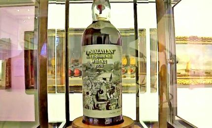 All'asta un raro whisky Macallan con etichetta di Peter Blake