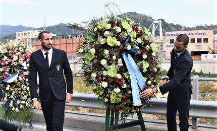 Gli Azzurri a Genova: minuto di silenzio al Ponte Morandi