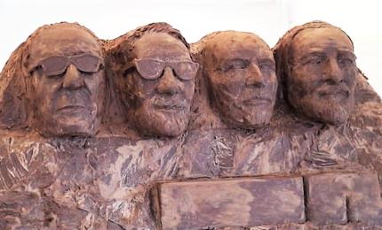 Vasco, Bottura, Pavarotti e Ferrari diventano statue di cacao