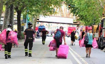Crollo Genova, sfollati tornano a casa: 2 ore per recupero beni