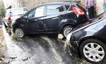 Nubifragio in Sicilia, soccorse persone intrappolate in auto