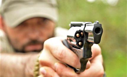Lega, rendere più agevole l'acquisto di armi per difesa personale