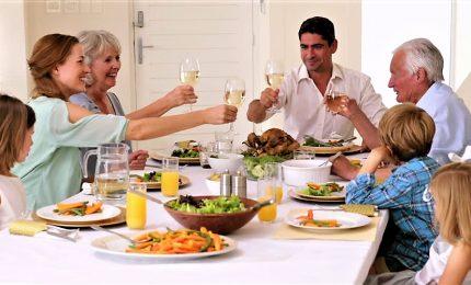 Da colazione a cena, la giornata alimentare secondo gli esperti