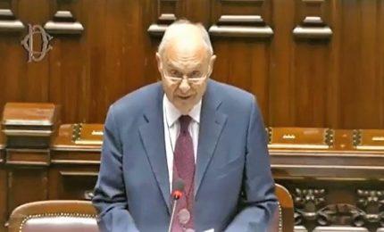 """Def, in Aula Savona si """"riprende"""" il ministero dell'Economia"""