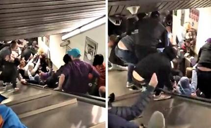 Collassa una scala mobile in metro, 24 feriti