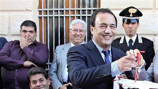 Indagata la candidata sindaco della lista di Lucano