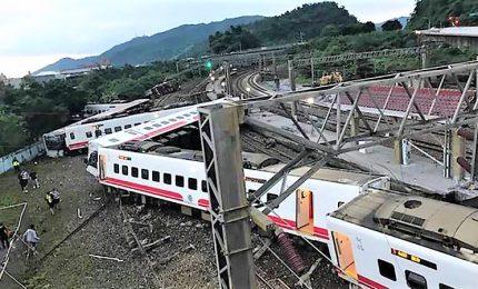 Deraglia un treno a Taiwan, almeno 18 morti e 70 feriti