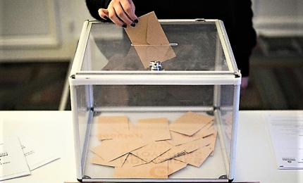 A Camera legge su elezioni-pulite, arrivano urne semitrasparenti