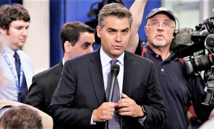 Giudice ordina a Trump di ridare accredito a reporter Cnn