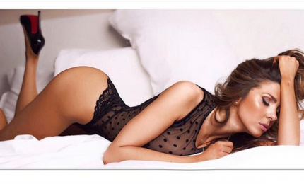 Le sexy curve di Manuela Ferrera sul calendario 2019