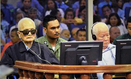 """Cambogia, per la prima volta condanna per genocidio a """"capi"""" del Khmer rosso"""