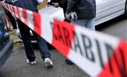 Uccide la moglie e simula suicidio nel Napoletano, arrestato
