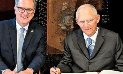 """Verso la creazione di """"assemblea parlamentare franco-tedesca"""""""
