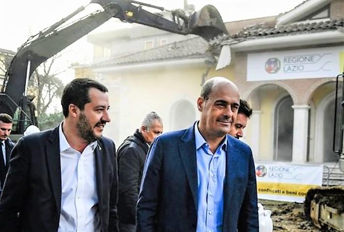 Salvini accende la ruspa: giù la villa abusiva dei Casamonica