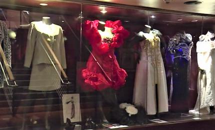 I vestiti di Aretha Franklin all'asta a New York