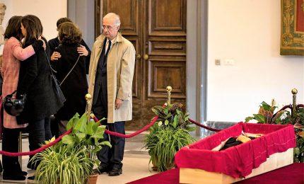 L'addio a Bertolucci, il cinema rende omaggio al maestro