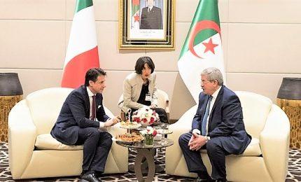 Conte in Algeria ma l'attenzione è su nodi Governo